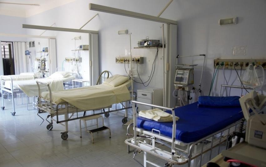 Meghalt az angliai kórházban mesterséges táplálásról lekapcsolt lengyel férfi