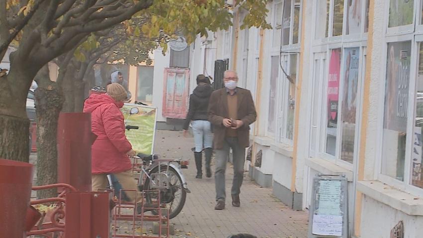Védett idősávban vásárolhatnak az idősek
