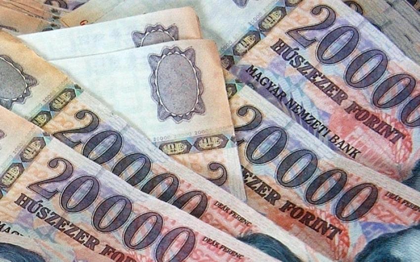 Három hét múlva fizetik a 13. havi nyugdíj első részletét