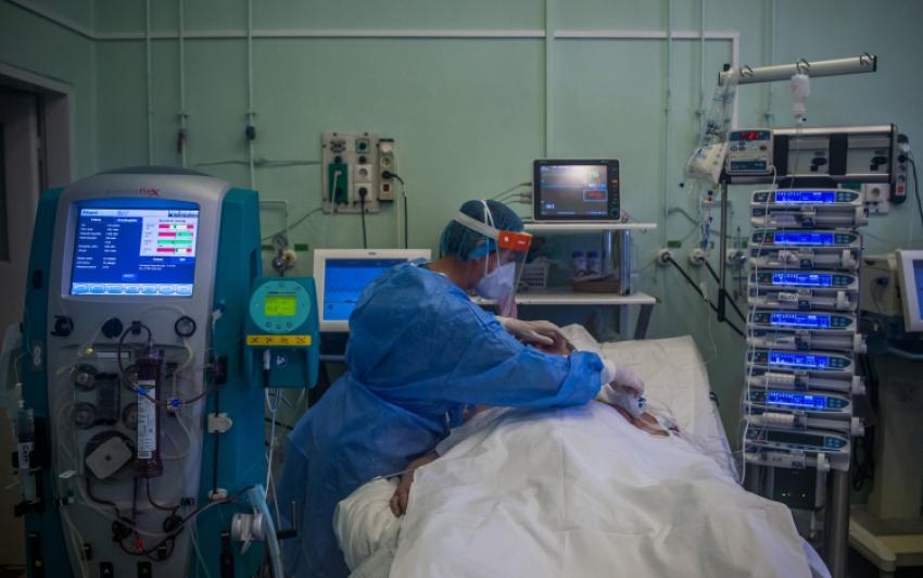 Meghalt 30 beteg, 1668 új fertőzöttet találtak Magyarországon