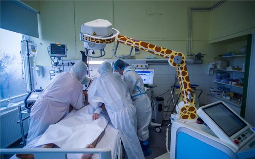 Meghalt 291 beteg, 5077-tel nőtt a fertőzöttek száma
